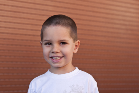 pedo boysmiling brown - How much calcium does my child need?